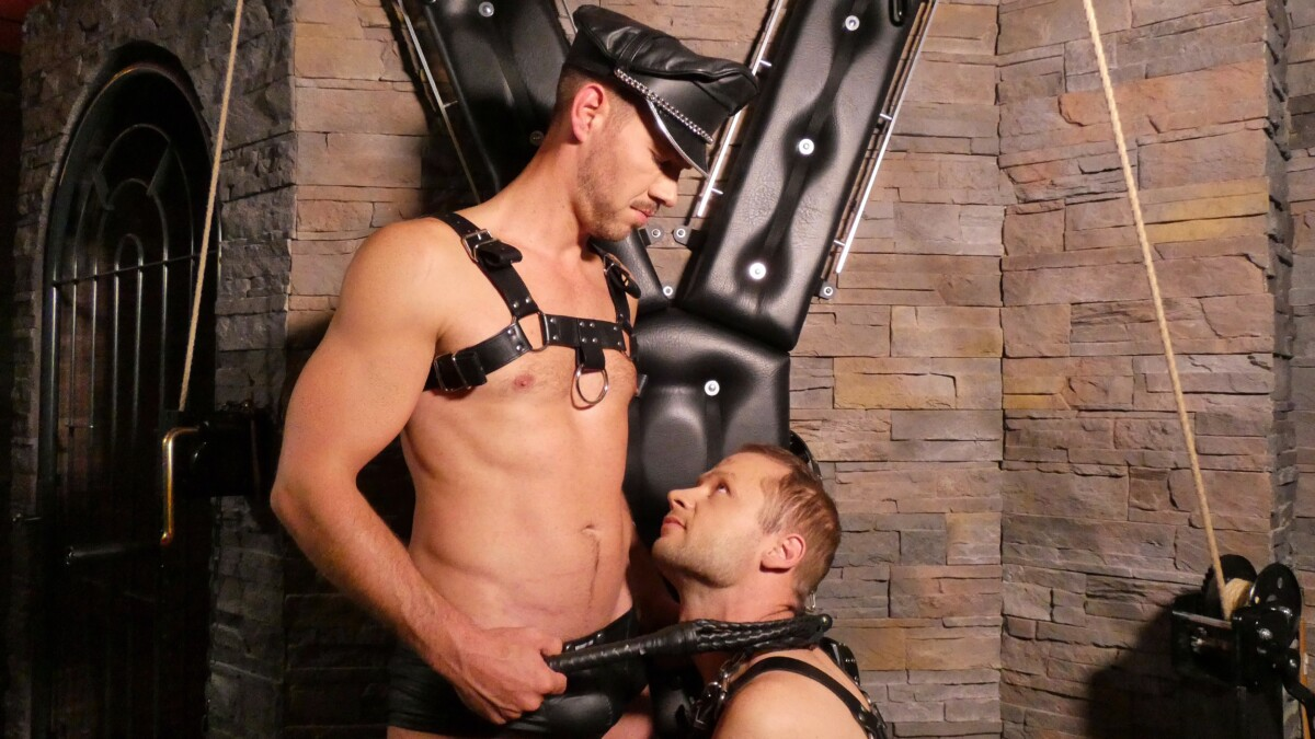 gay submissive stud in leather on his ready ready to get dominated