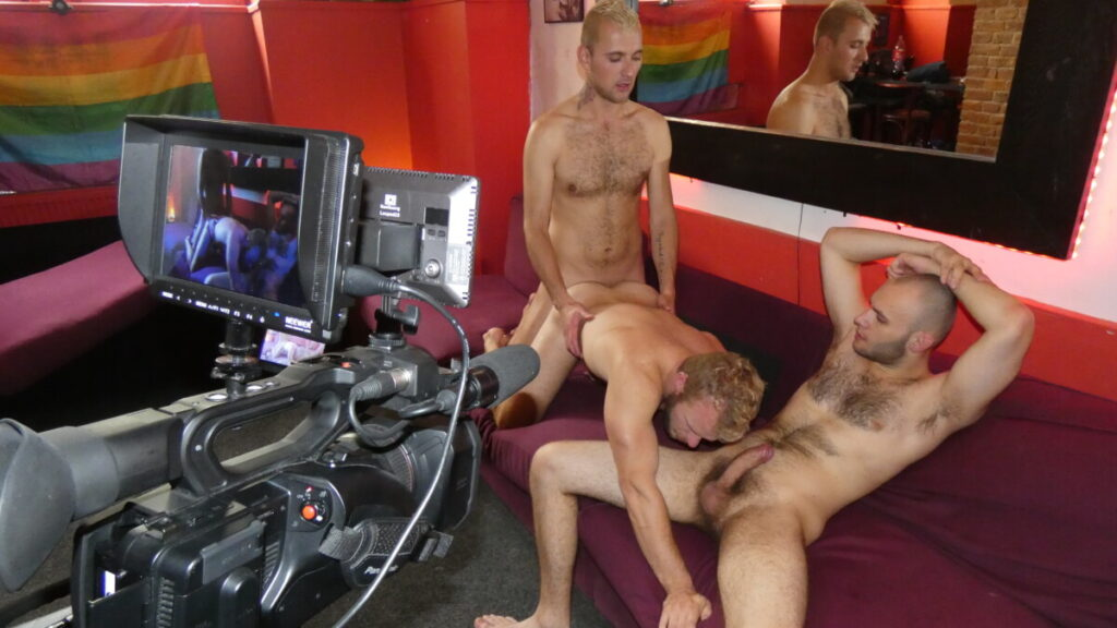 locations wanted threesome action in a bar
